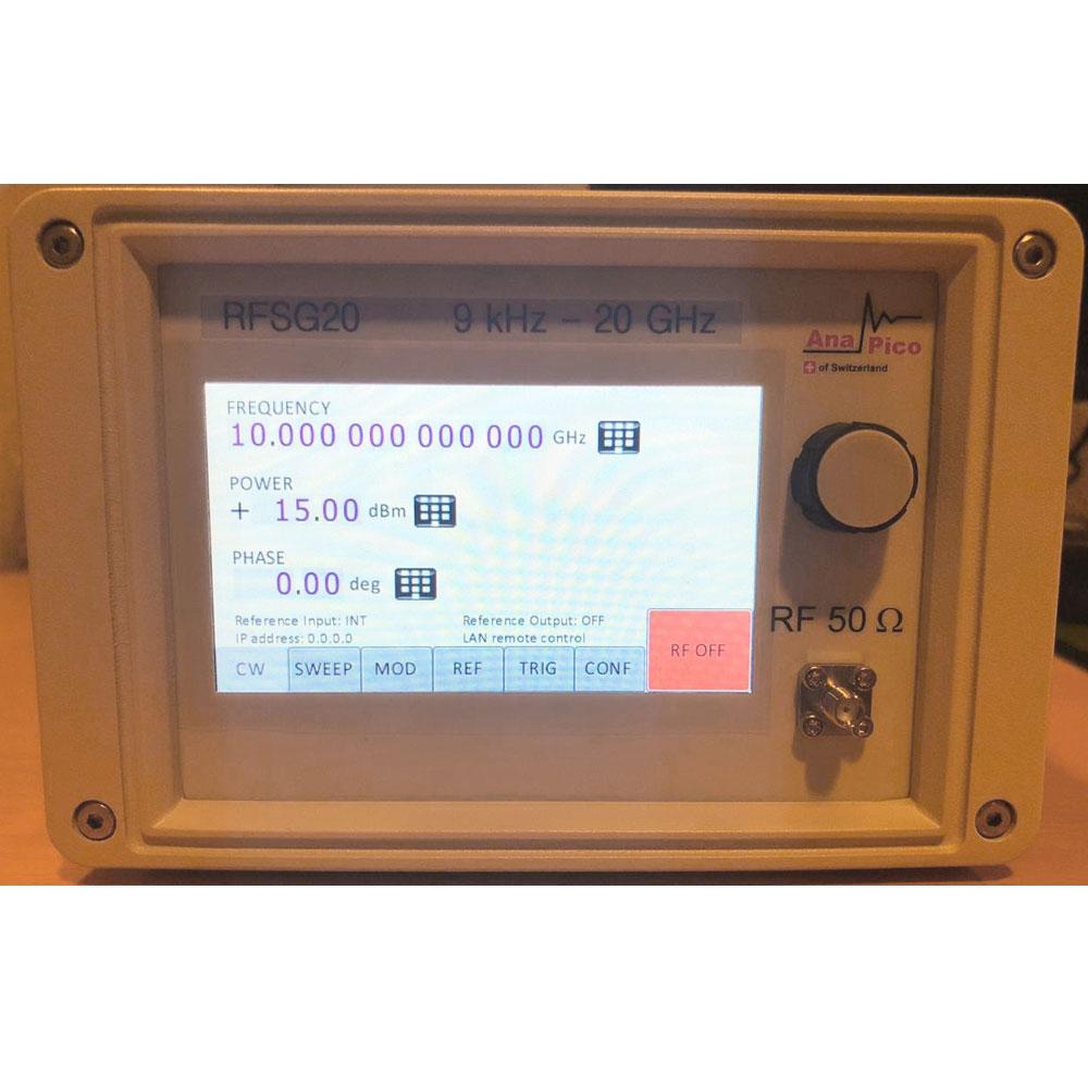 Генератор AnaPico RFSG20 с сенсорным экраном (опция TP)