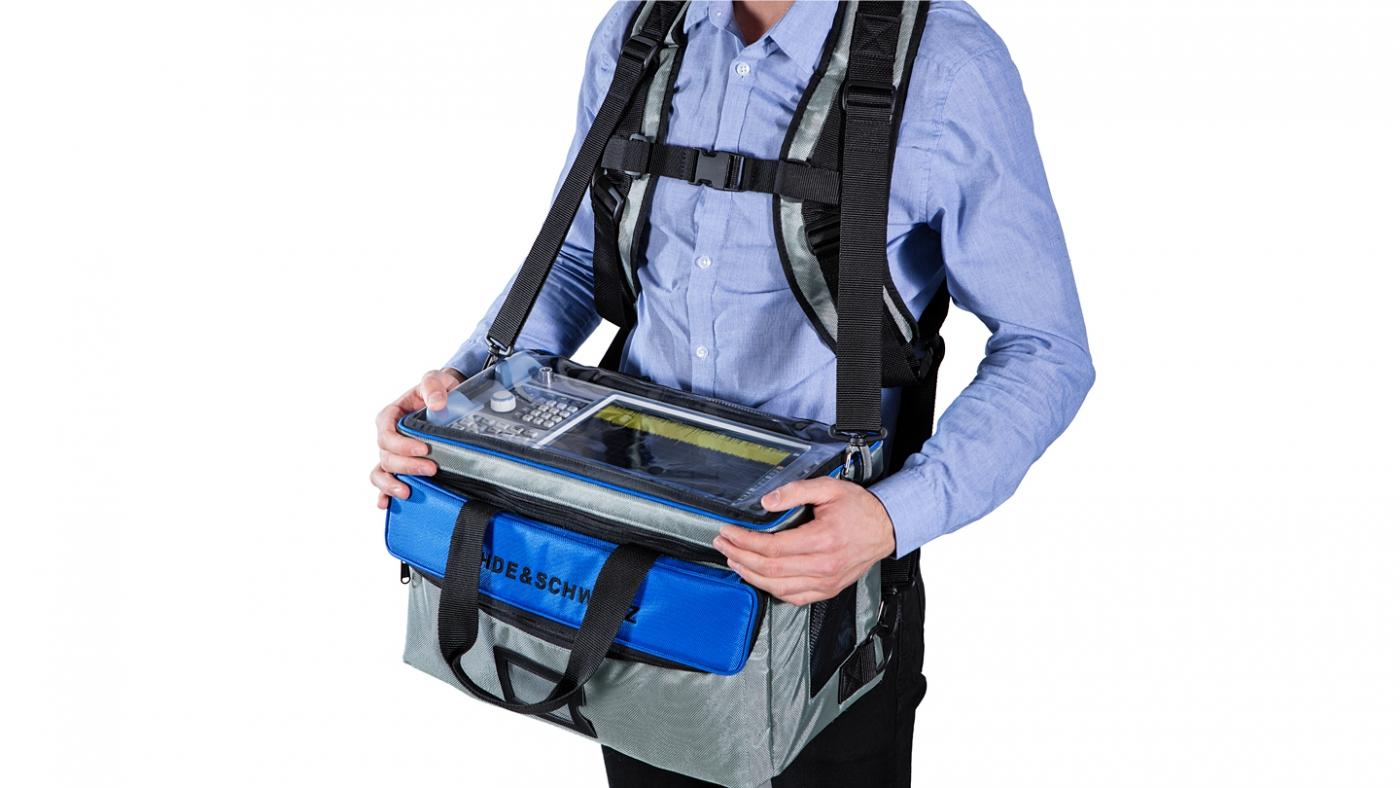 Анализатор спектра R&S®FPL1000 в сумке с кобурой для переноски